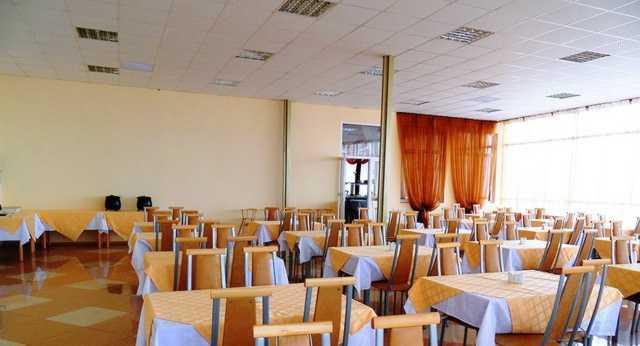 База отдыха Белый Лебедь - кафе