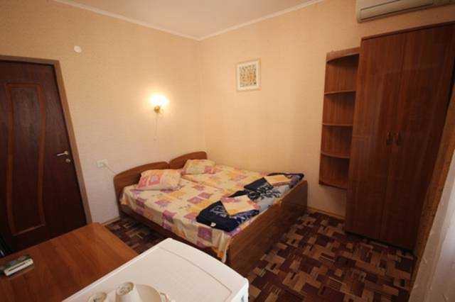 """Лазаревское, гостиница """"Семья"""" - двухместный номер"""