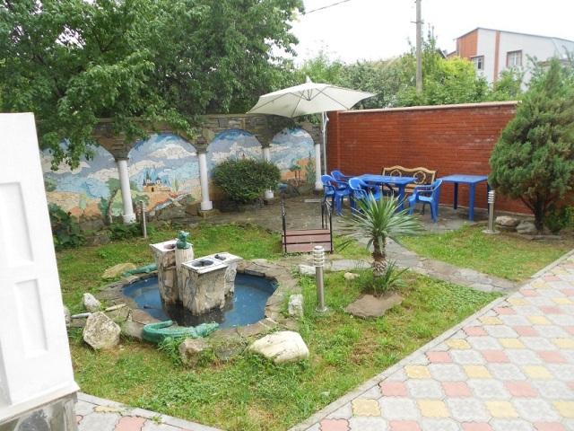 Новомихайловский, гостевой дом Престиж - территория